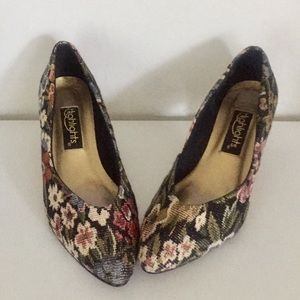 80s Brocade Pumps Heels Tapestry Metallic 7.5